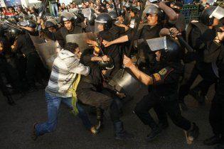 В Египте начались антиправительственные беспорядки, полиция использовала газ