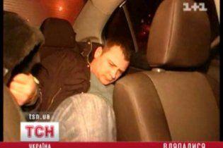 В Киеве гаишники остановили джип с пьяными милиционерами, которые едва ворочали языком