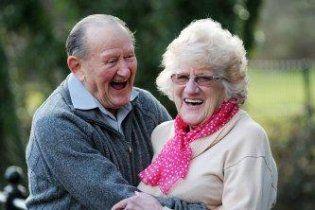 Пенсионеры снова поженились через 57 лет после развода