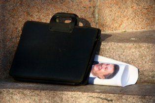 Під Київською мерією спалять картонного Януковича