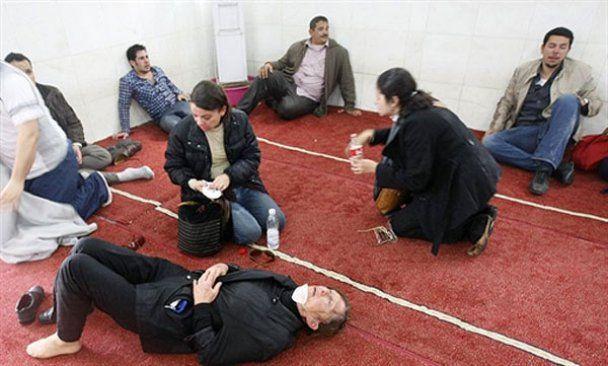 Єгипетські демонстранти захопили Суецький канал, у відповідь влада заарештувала главу опозиції
