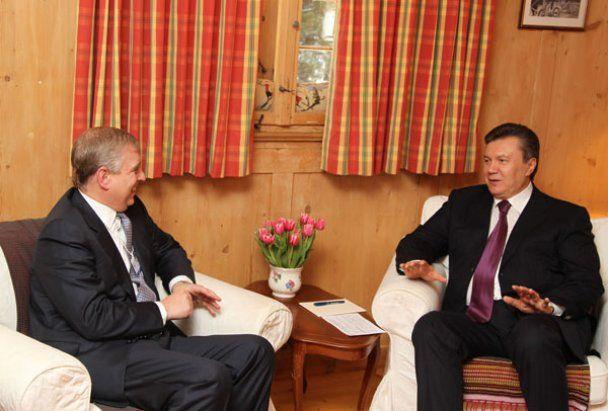 Віктор Янукович у Давосі хвалився і конфузився