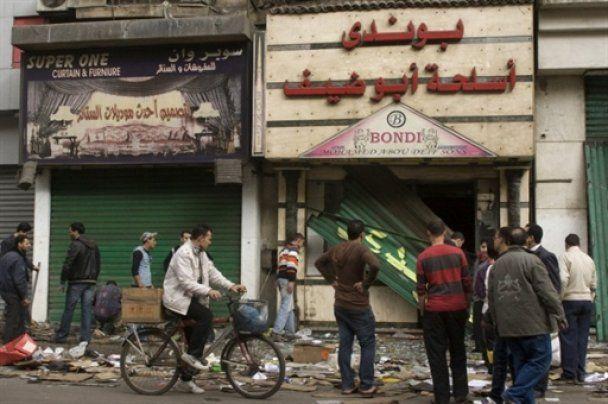 Очевидці: на єгипетських курортах активізувалися мародери