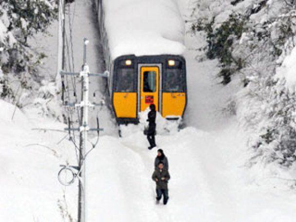 Японию накрыли мощные снегопады, более 80 человек погибли