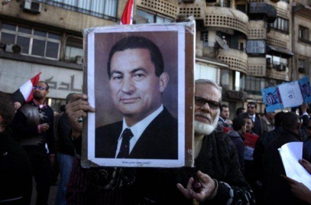В центре Каира начали стрелять в демонстрантов