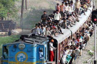 14 індійських підлітків загинули, попадавши з потяга