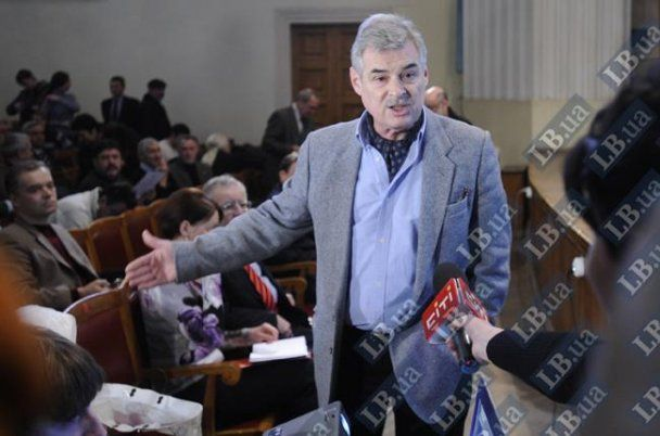 Главный архитектор Киева закрыл журналистку в подсобке