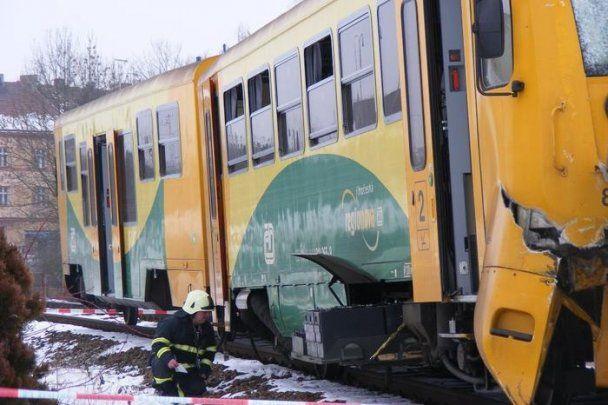 В Чехии столкнулись два поезда: есть погибшие и травмированные