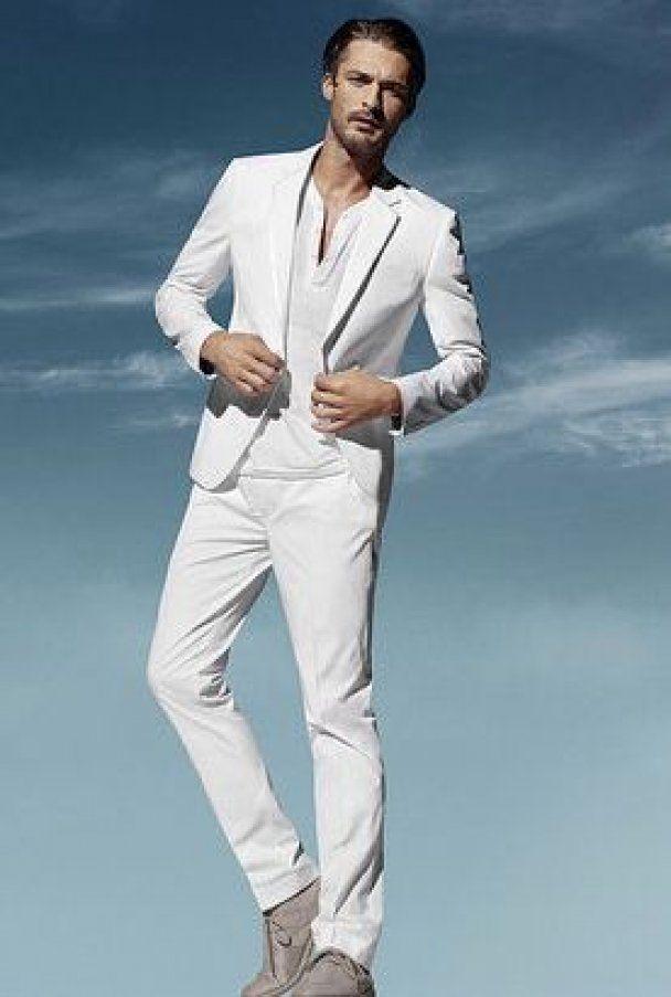 Торговая марка H&M выпустила белоснежную коллекцию