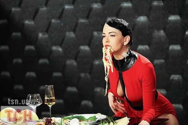 Даша Астаф'єва показала сексуальний голод