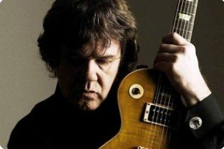 Помер легендарний гітарист Гарі Мур