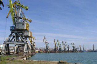 В грузинском порту украинский сухогруз раскололся пополам