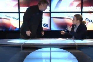 Российский политик послал на х ** журналиста-хама в эфире (видео)