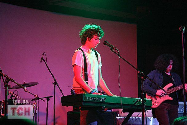 """""""Бумбокс"""" презентував дуетну роботу із Pianoboy"""