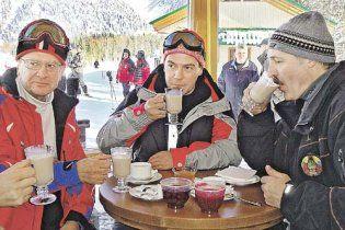 Лукашенко воспользовался гостеприимством Медведева и поехал отдыхать в Сочи
