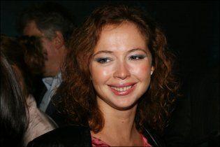 Олена Захарова стала мамою