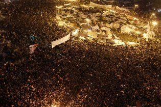 """""""Аль-Джазіра"""" оприлюднила відео, на якому натовп лінчує прихильників Мубарака"""
