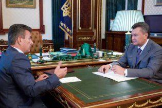 Глава ВСУ надеется, что его семью от преследований спасет Янукович