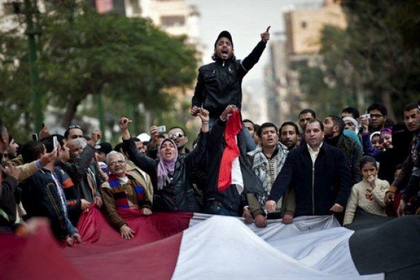 Єгиптяни взяли в облогу парламент і уряд