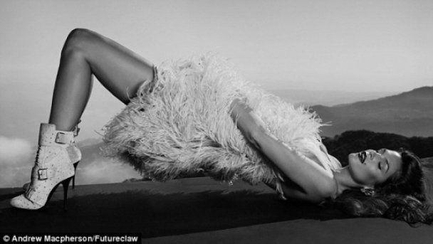 Сінді Кроуфорд показала свою 45-річну сексуальність