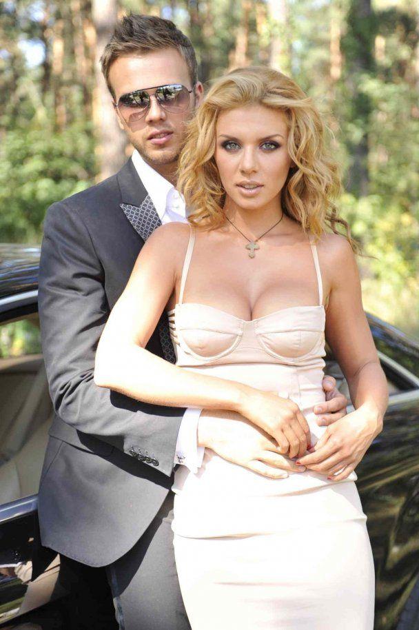 Анна Седокова сама не знает, когда выходит замуж