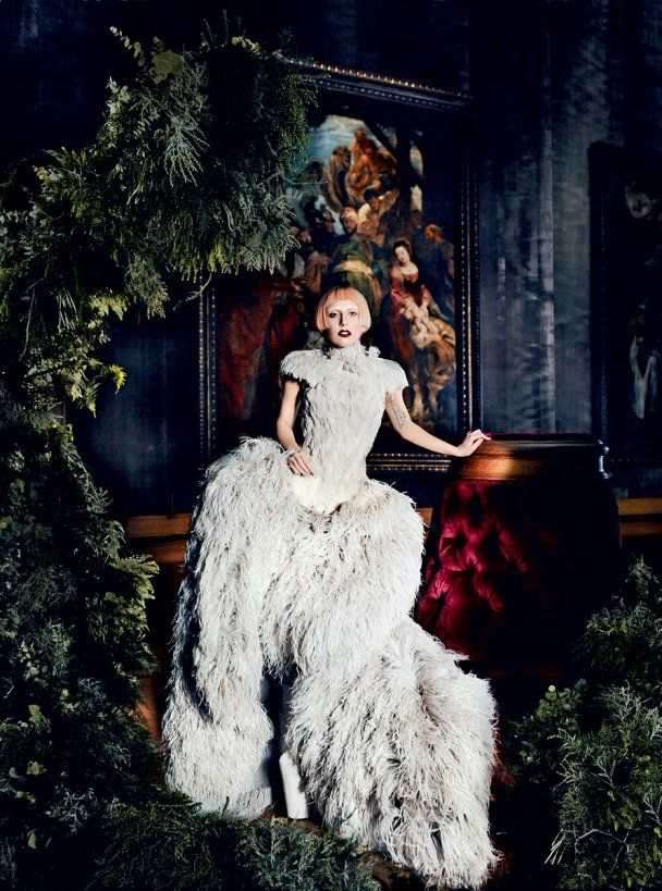 Lady GaGa з рожевим волоссям знялась для Vogue