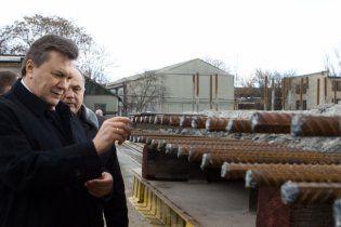 Янукович забув, що у Білорусі немає моря