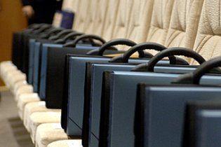 В Україні звільнять більше 30% чиновників