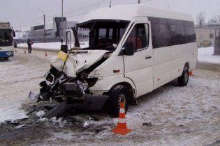 Жахлива ДТП у Харкові: травмовано 19 людей