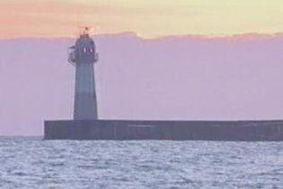 В Черном море шторм разломал надвое сухогруз под флагом Танзании