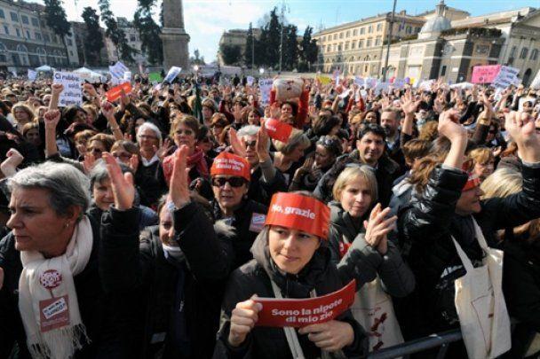 Мільйони жінок повстали проти сексизму Берлусконі