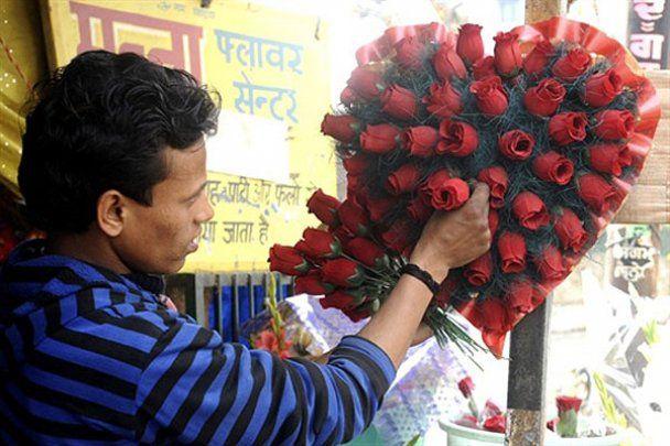 Как в мире праздновали День всех влюбленных
