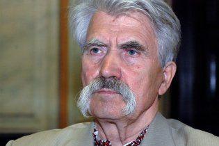 Левко Лукьяненко взорвал самодельный снаряд в собственном доме
