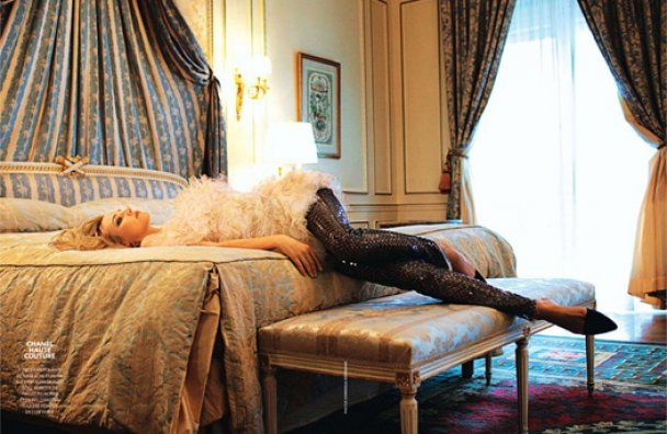 Діана Крюгер знялась у спокусливих сукнях