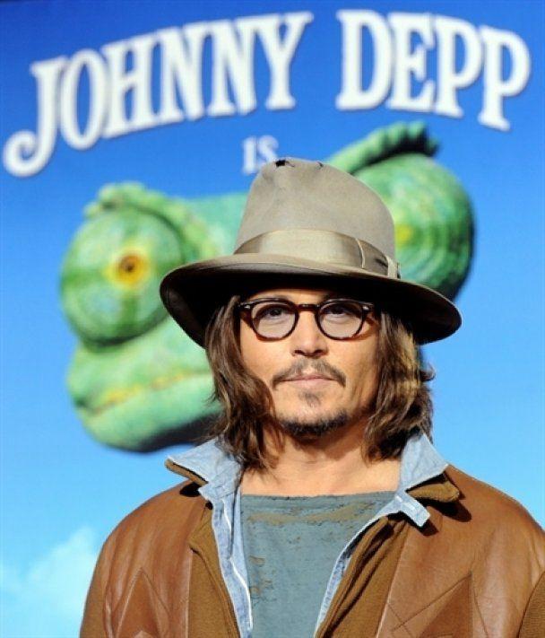 Джонні Депп показав свого ящура-хамелеона