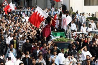Оппозиция Бахрейна из-за гибели демонстрантов требует отставки правительства