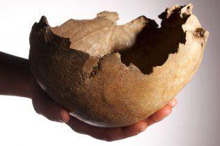 Стародавні британці пили з черепів померлих родичів