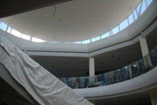 Обвал потолка в Sky Mall : эксперты говорят, это может повториться где угодно