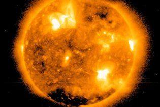 Мощная вспышка на Солнце вывела из строя радиосвязь в Китае