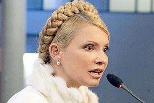 Тимошенко судитиметься з Азаровим через Фірташа