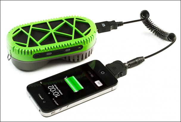 У Швеції розробили зарядний пристрій, що працює на воді