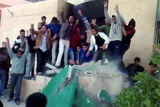 Лівійська авіація завдала удару по демонстрантах