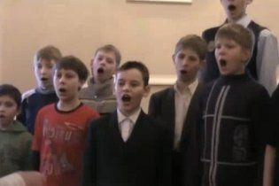 """Скандал в Росії викликала """"Мурка"""" у виконанні хорової капели хлопчиків"""
