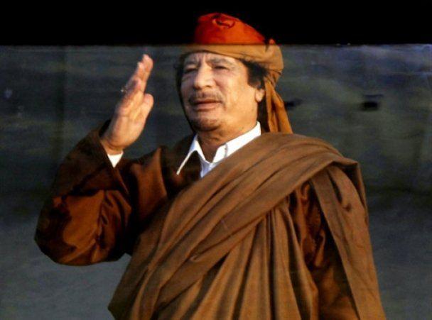 """У Лівії триває """"справжнє пекло"""": Каддафі відправив сина втихомирити опозицію"""
