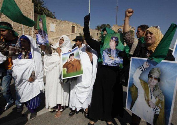 Каддафи собрал наемников на последний бой, вооружившись российскими автоматами