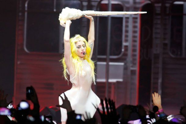 Lady GaGa знову закликала геїв боротись за свої права