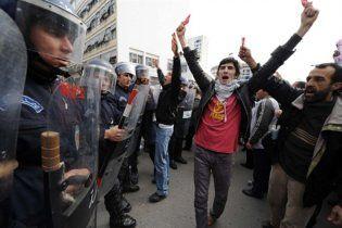 Алжир отменил режим чрезвычайного положения