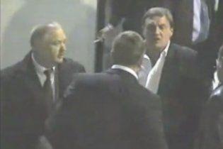 ЗМІ оприлюднили відео скандальної бійки Стогнія з депутатом Гримчаком