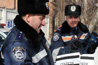Одеським даїшникам роздали підручники з української мови
