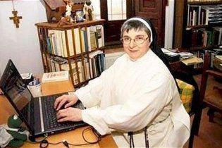 Испанскую монахиню выгнали из ордена из-за любви к соцсети Facebook